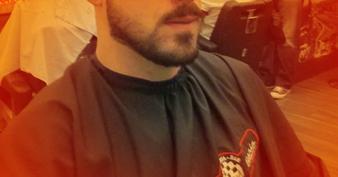 aparamento-de-barba-e-bigode-design-de-bigode